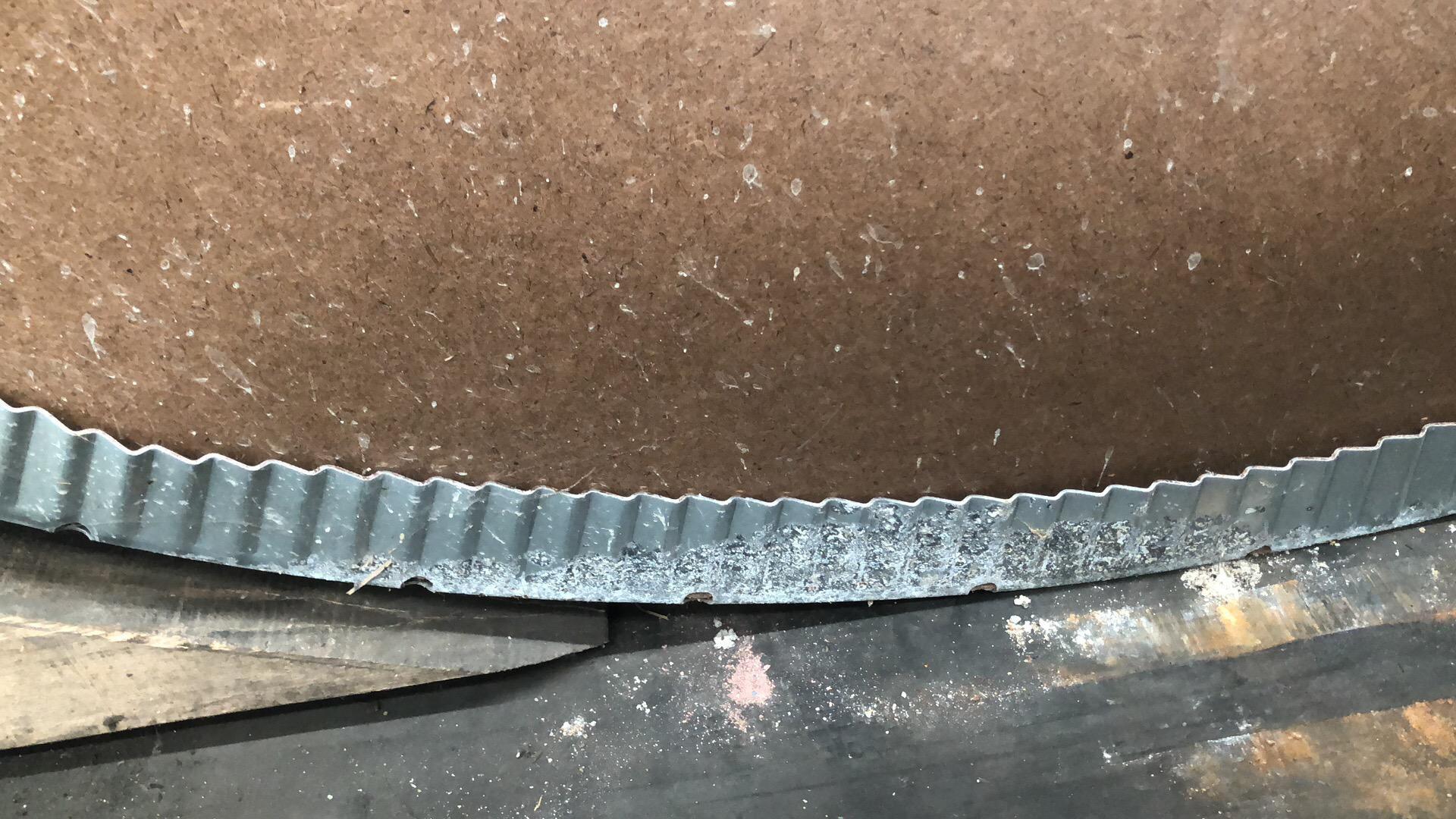 钢卷水浸生锈.png
